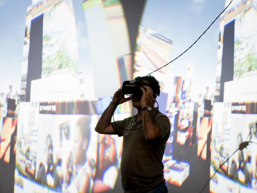 Marc Lee, ISAS & ZAK: »10.000 Moving Cities – Same but Different« als Teil der »Infosphäre« / © ZKM | Zentrum für Kunst und Medientechnologie, Foto: Felix Grünschloß